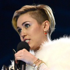 Miley Cyrus Does Drugs On Stage At The EMAs