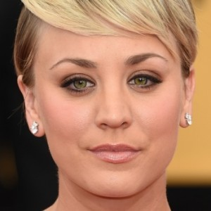 Sketchy Things Everyone Just Ignores About Kaley Cuoco