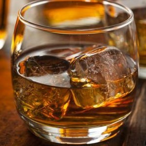 Here's the Actual Difference Between Bourbon and Whiskey ...