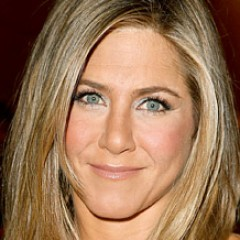 Jennifer Aniston Admits Awkward Phase While Married To Brad Pitt