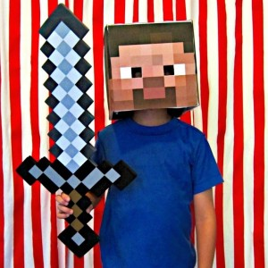5 Easy 'Minecraft' Costumes for Halloween