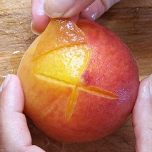 5 Hacks to Help You Effortlessly Peel Fruit