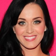 Katy Perry Steps Out Wearing an Engagement Ring?