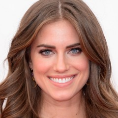 'Girls' Star Allison Williams Gets Engaged