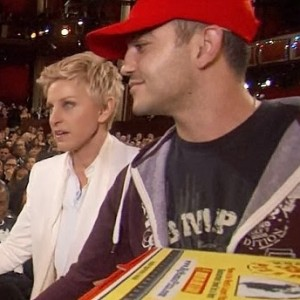 Guess How Much Ellen Tipped The Oscars Pizza Guy