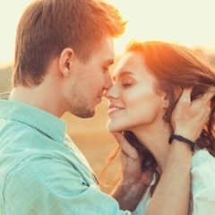 10 Reasons Kissing is Great For Your Health