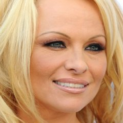 This is How Pamela Anderson Has Transformed Herself