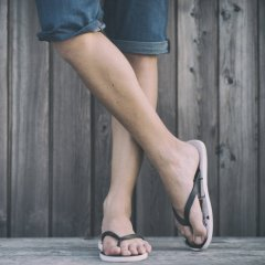 Here's What Podiatrists Really Think About Your Flip-Flops