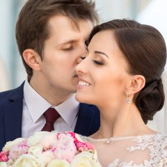 12 Bizarre Things People Used To Believe About Weddings