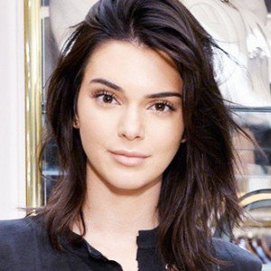 The photogenic trick kendall jenner uses in every picture for Axelle red jardin secret