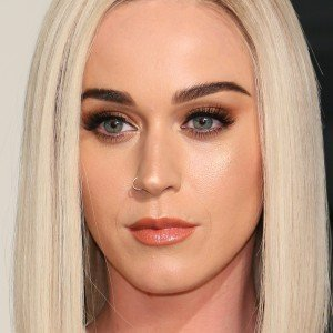Sketchy Things About Katy Perry That Everyone Just Ignores