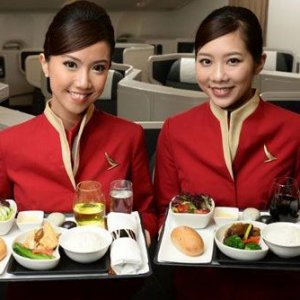 5 Unknown Truths About Airline Food From Flight Attendants