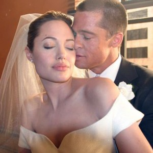 Angelina Jolie & Brad Pitt's Shockingly Small Guest List