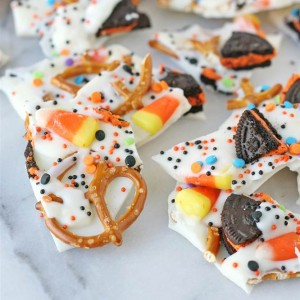 5 Tasty Treats To Make With Your Leftover Halloween Candy