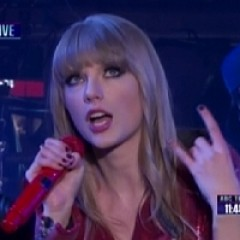 Taylor Swift Performs 'Red' Hits On Dick Clark's Rockin' NYE