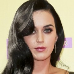 Katy Perry Wears Questionable Outfit To Kids Choice Award