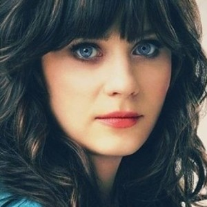 Zooey Deschanel Is Unrecognizable Without Bangs
