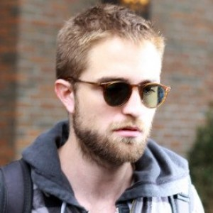 Rob Pattinson Seen Moving Out of Kristen's House