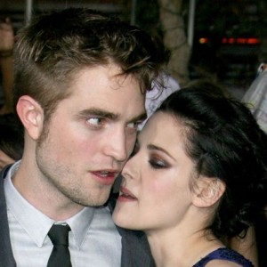 Rob & Kristen Get an Awkward Award Nomination