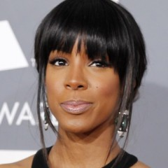 Kelly Rowland Can't Stop Gossiping About Beyonce