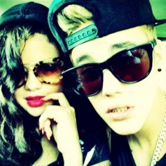 Justin & Selena Are Back On?