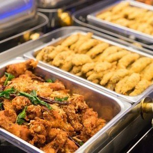 Things You Should Never Touch at a Buffet