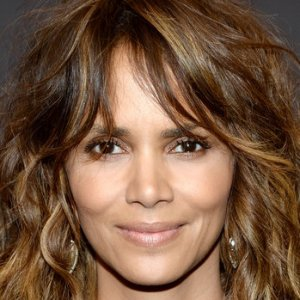 4d8bc2dc959 We Finally Understand Why Hollywood Dumped Halle Berry