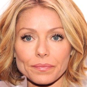 Sketchy Things Everyone Just Ignores About Kelly Ripa