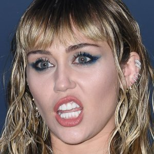 Sketchy Things We All Just Turn a Blind Eye to About Miley Cyrus
